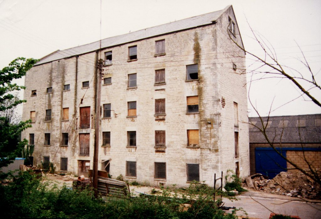 KImmins Mill next to Sainsburys in 1988