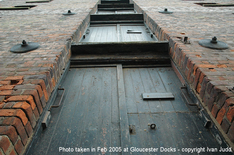 Warehouse at Gloucester Docks Feb 2005