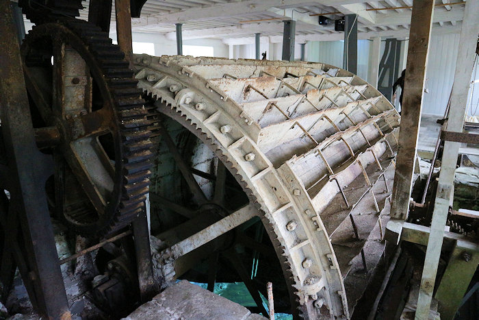 Water wheel gearing